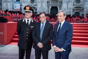 Il Prefetto di Milano Alessandro Marangoni assieme al Generale Del Sette, Comandante Generale dell'Arma dei carabinieri e il sottosegretario alla Difesa Domenico Rossi